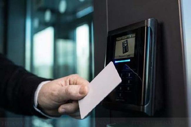 Máy Chấm Công Thẻ Từ - Thẻ Cảm Ứng Chính Hãng Giá Tốt tại HN