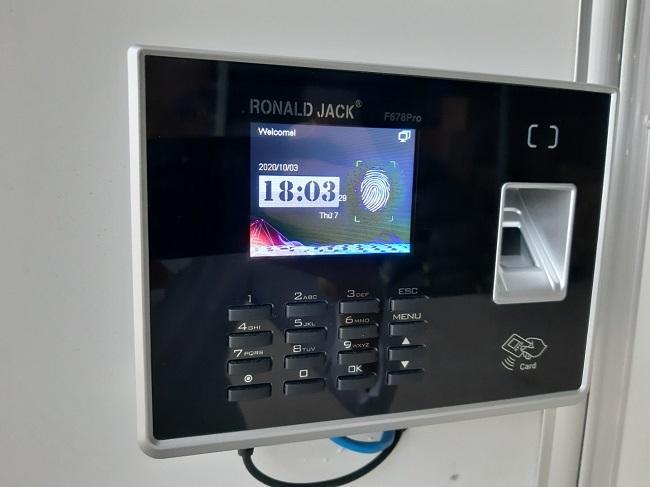 Máy Chấm Công Kiểm Soát Cửa Chất Lượng, Giá Tốt tại HN HCM